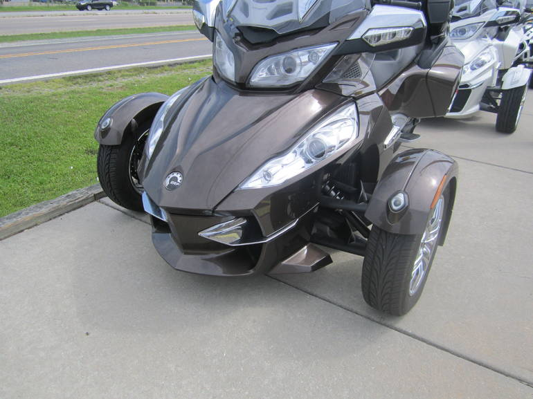 See more photos for this Can-Am RT LTD SE5, 2012 motorcycle listing
