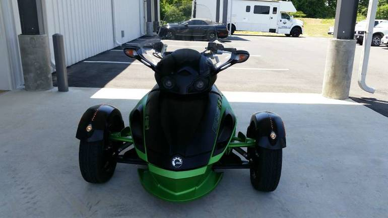 See more photos for this Can-Am Spyder RS-S SM5, 2012 motorcycle listing