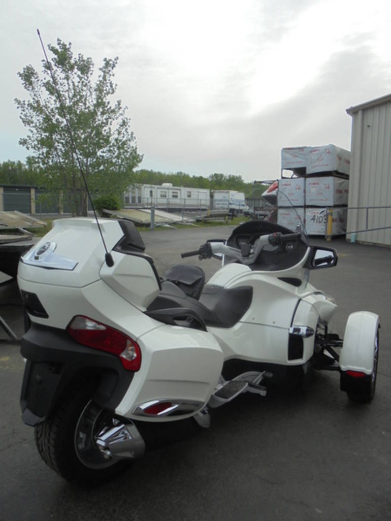 See more photos for this Can-Am Spyder RT Limited SE5, 2012 motorcycle listing