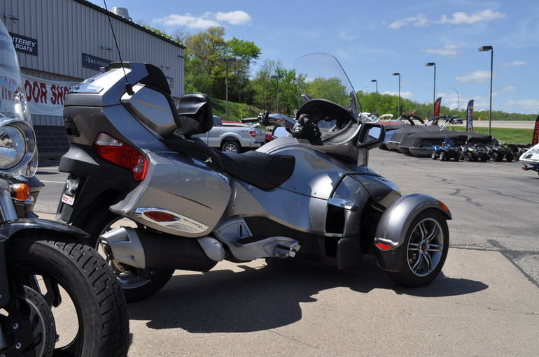 See more photos for this Can-Am Spyder RT-S SM5, 2012 motorcycle listing