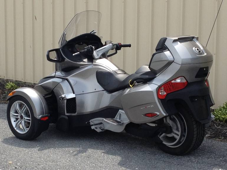See more photos for this Can Am Spyder RT SM5, 2012 motorcycle listing