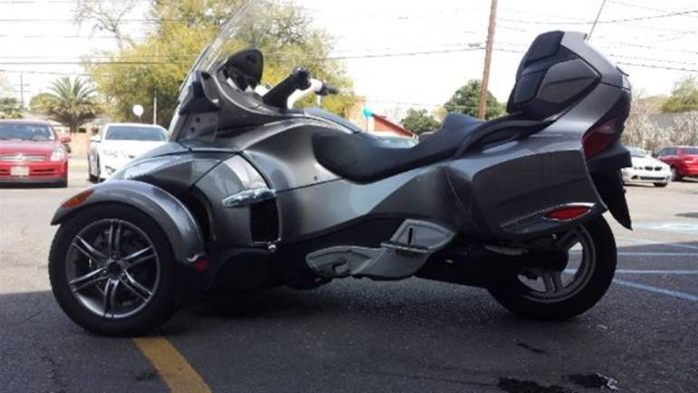 See more photos for this Can-Am Spyder RTS, 2012 motorcycle listing