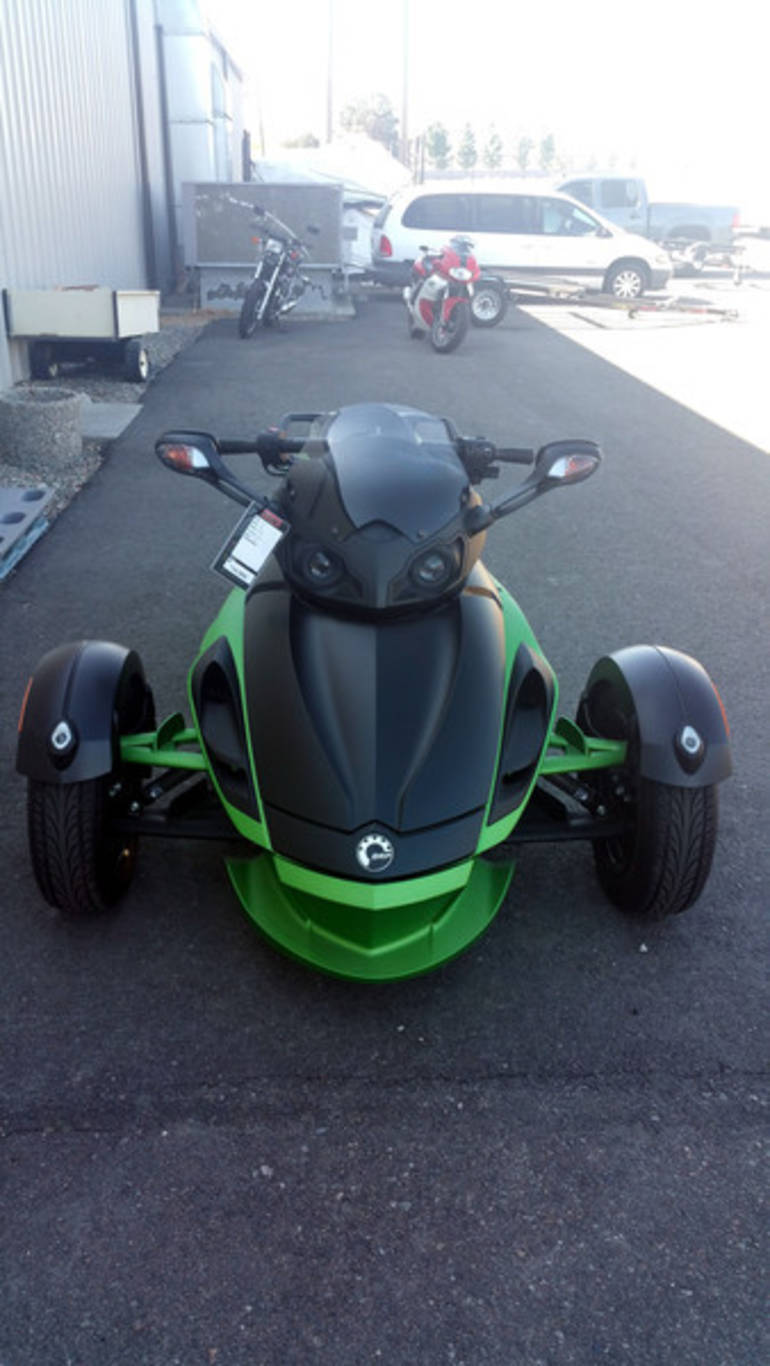 See more photos for this Can-Am Spyder Roadster RS-S, 2012 motorcycle listing