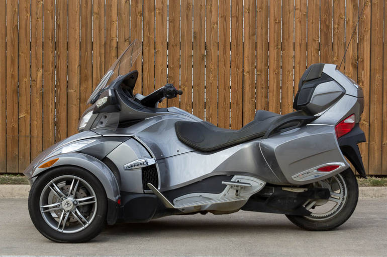See more photos for this Can-Am Spyder Roadster RT, 2012 motorcycle listing