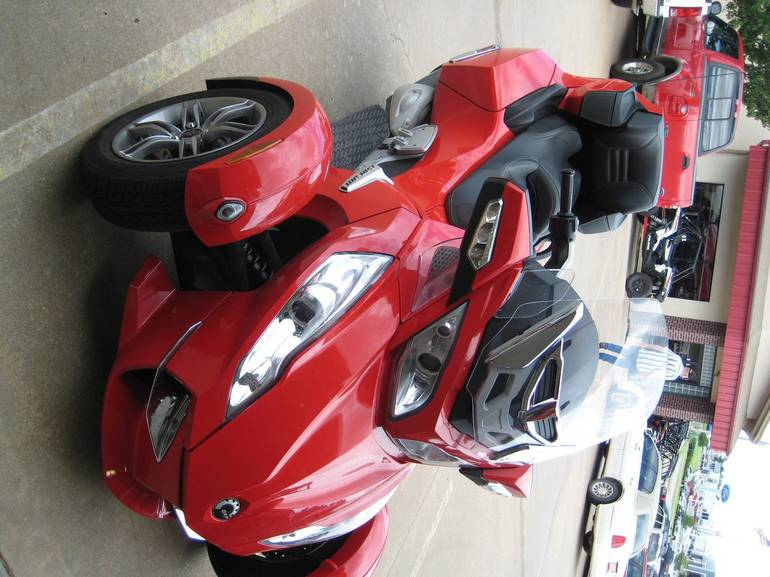 See more photos for this Can-Am Spyder Rt SE5, 2012 motorcycle listing