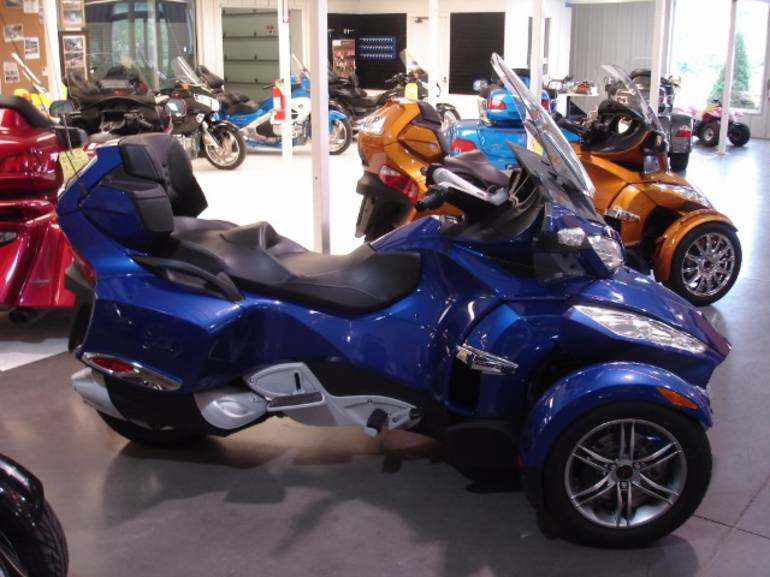 See more photos for this Can-Am Spyder, 2012 motorcycle listing