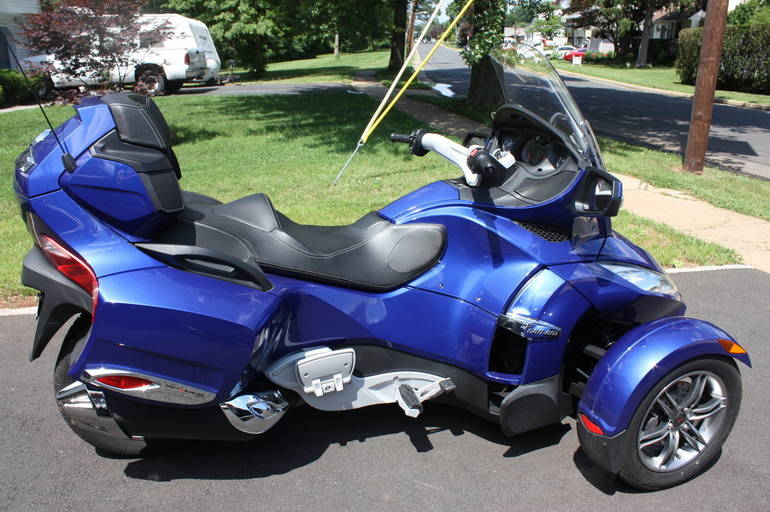 See more photos for this Can-Am Spyder , 2012 motorcycle listing