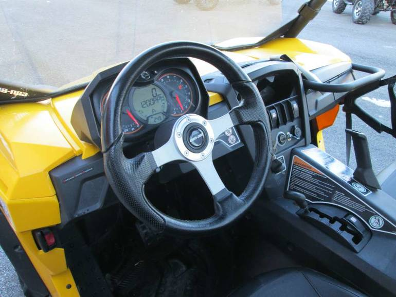 See more photos for this Can-Am Commander XT 1000, 2013 motorcycle listing