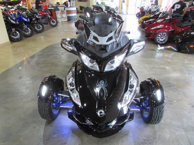 See more photos for this Can-Am RT-LTD SE5, 2013 motorcycle listing