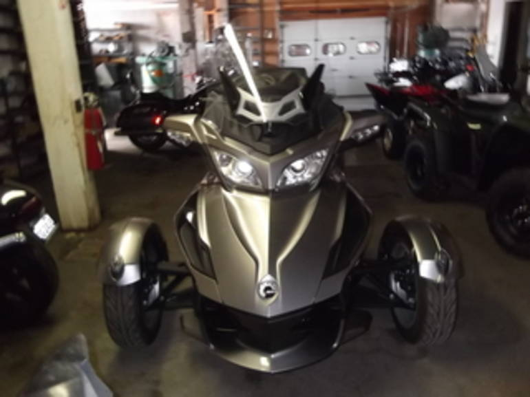 See more photos for this Can Am RT SM5, 2013 motorcycle listing