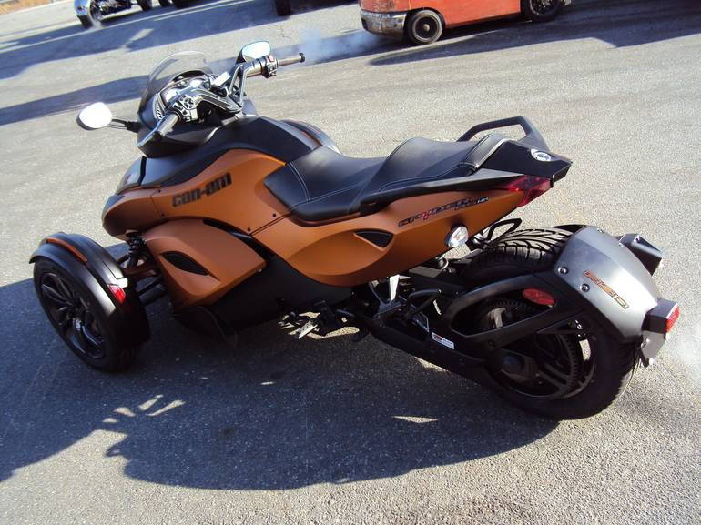 See more photos for this Can-Am SPYDER RS-S, 2013 motorcycle listing
