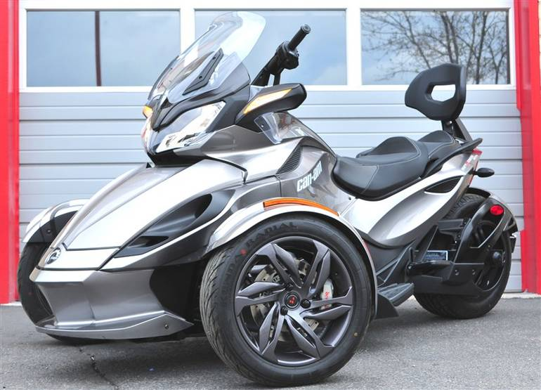 See more photos for this Can-Am Spyder - STS SPYDER STS, 2013 motorcycle listing