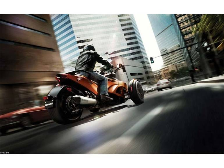 See more photos for this Can-Am Spyder RS-S SE5, 2013 motorcycle listing
