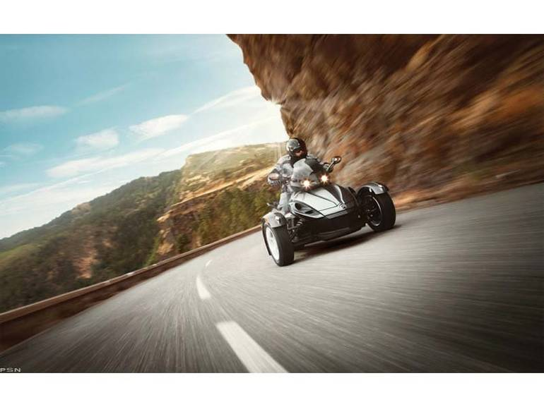 See more photos for this Can-Am Spyder RS SE5, 2013 motorcycle listing
