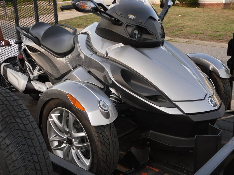 See more photos for this Can-Am Spyder RS SM5, 2013 motorcycle listing
