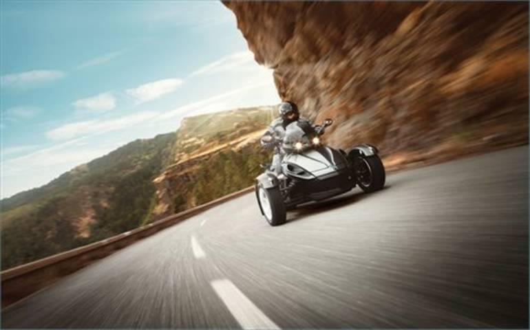 See more photos for this Can-Am Spyder RS, 2013 motorcycle listing
