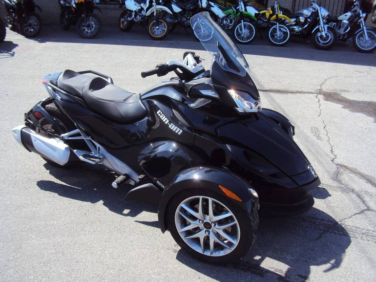 See more photos for this Can-Am Spyder ST - SM5, 2013 motorcycle listing
