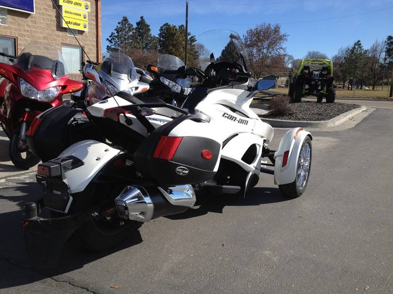 See more photos for this Can-Am Spyder ST Limited SE5, 2013 motorcycle listing