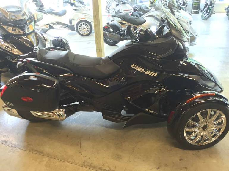 See more photos for this Can-Am Spyder ST Limited, 2013 motorcycle listing
