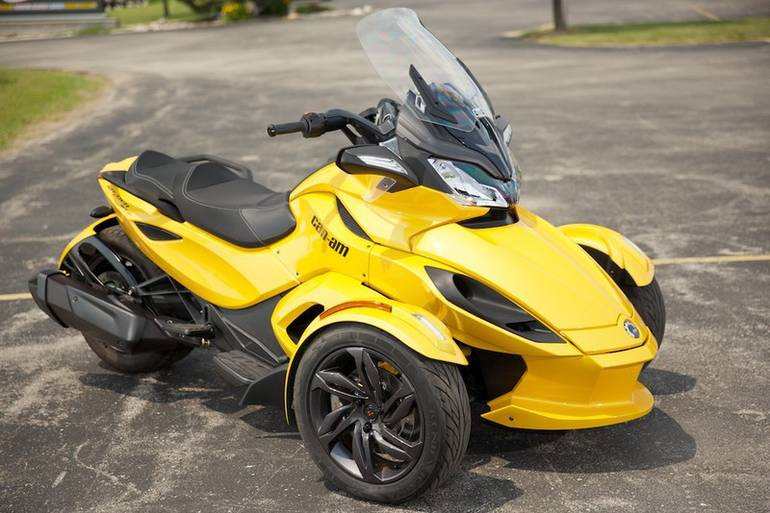 See more photos for this Can-Am Spyder ST-S SE5, 2013 motorcycle listing