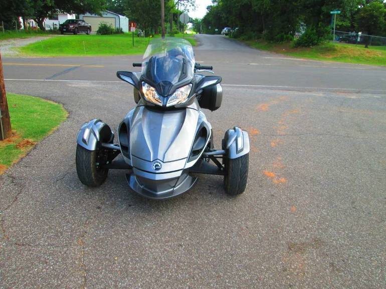 See more photos for this Can-Am Spyder ST-S SM5, 2013 motorcycle listing