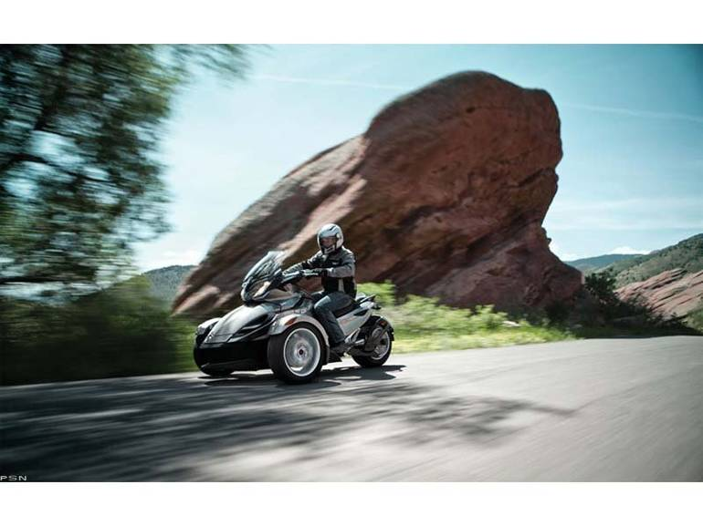 See more photos for this Can-Am Spyder ST SM5, 2013 motorcycle listing