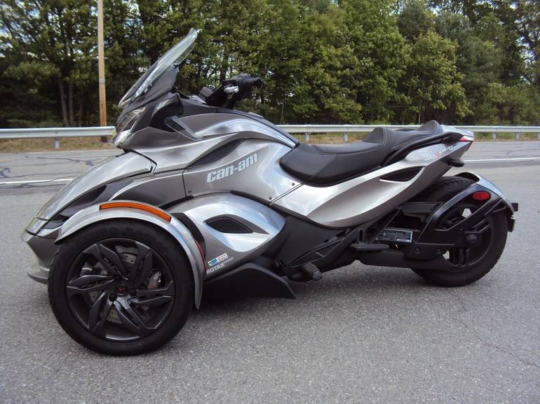See more photos for this Can-Am Spyder STS, 2013 motorcycle listing