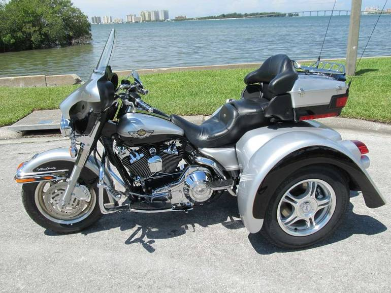 See more photos for this Champion Trikes H-D 100th ANNIVERSARY ELCTRA GLIDE ULTRA, 2003 motorcycle listing