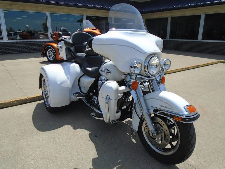 See more photos for this Champion Trikes FLHTCU, 2005 motorcycle listing