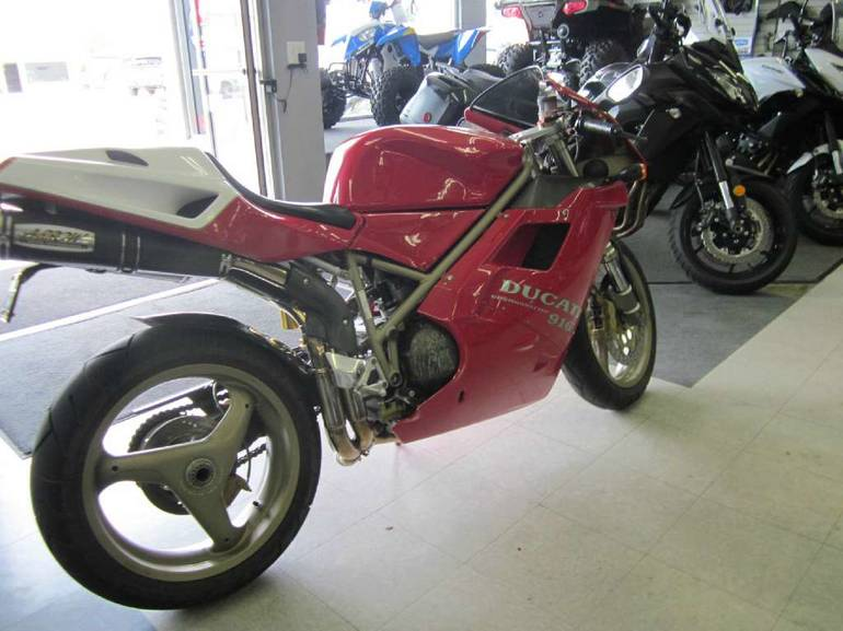 See more photos for this Ducati 916, 1997 motorcycle listing