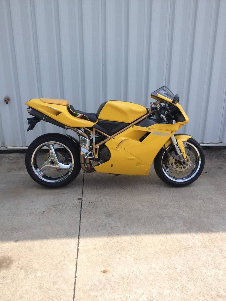 See more photos for this Ducati 748, 1998 motorcycle listing