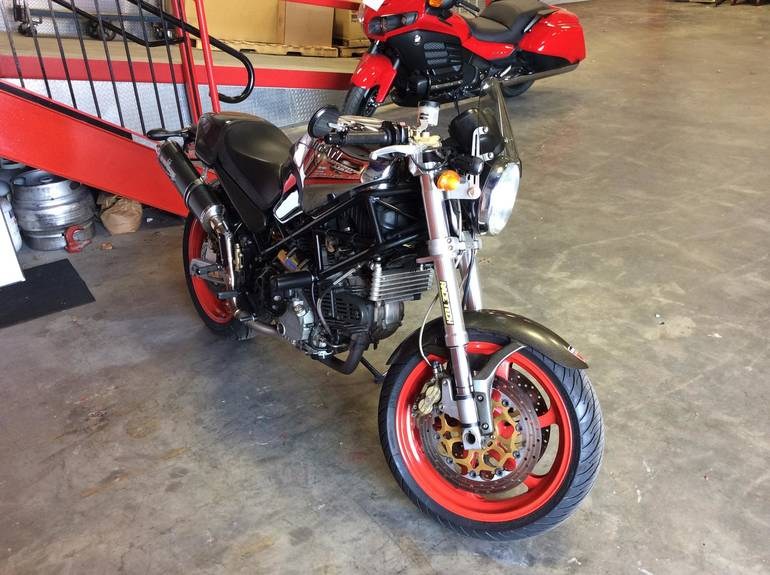 See more photos for this Ducati Monster 900 IE Cromo Edition, 2001 motorcycle listing