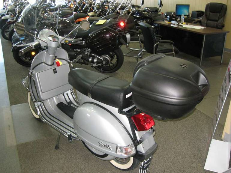 See more photos for this Genuine Scooter Company Stella, 2003 motorcycle listing