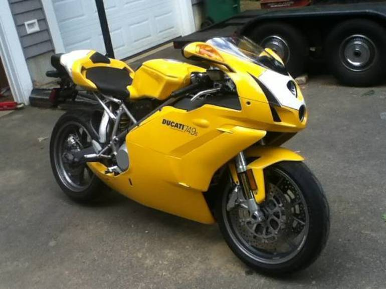 See more photos for this Ducati Superbike 749 S, 2004 motorcycle listing