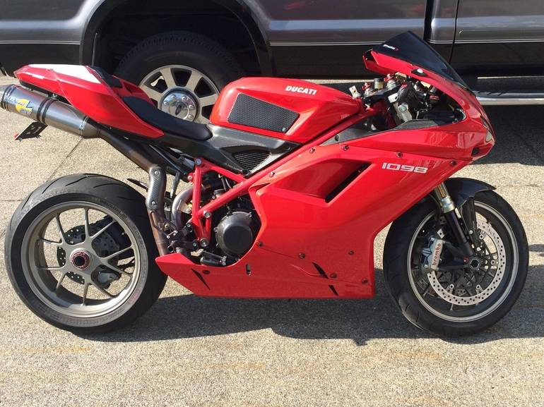 See more photos for this Ducati Superbike 1098, 2007 motorcycle listing