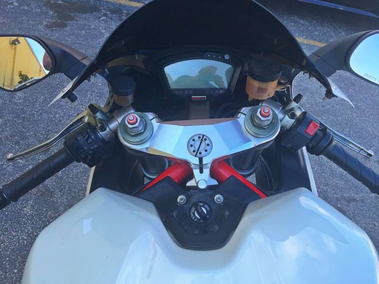 See more photos for this Ducati 848 EVO, 2008 motorcycle listing