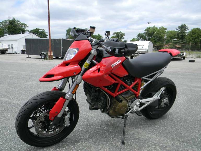 See more photos for this Ducati Hypermotard 1100, 2008 motorcycle listing