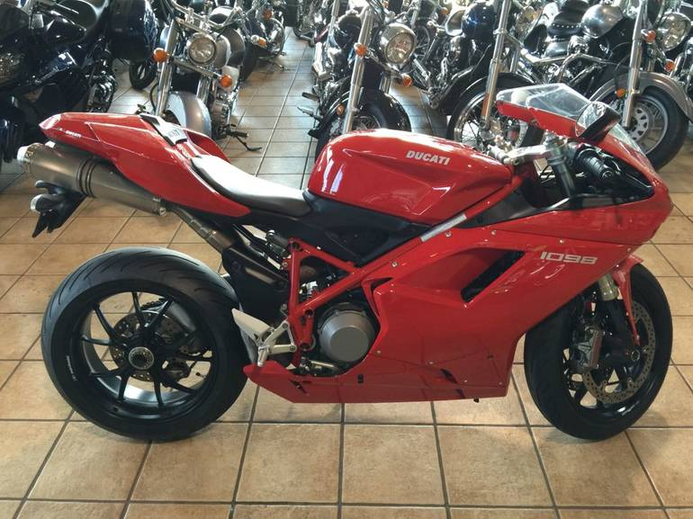 See more photos for this Ducati Superbike 1098, 2008 motorcycle listing