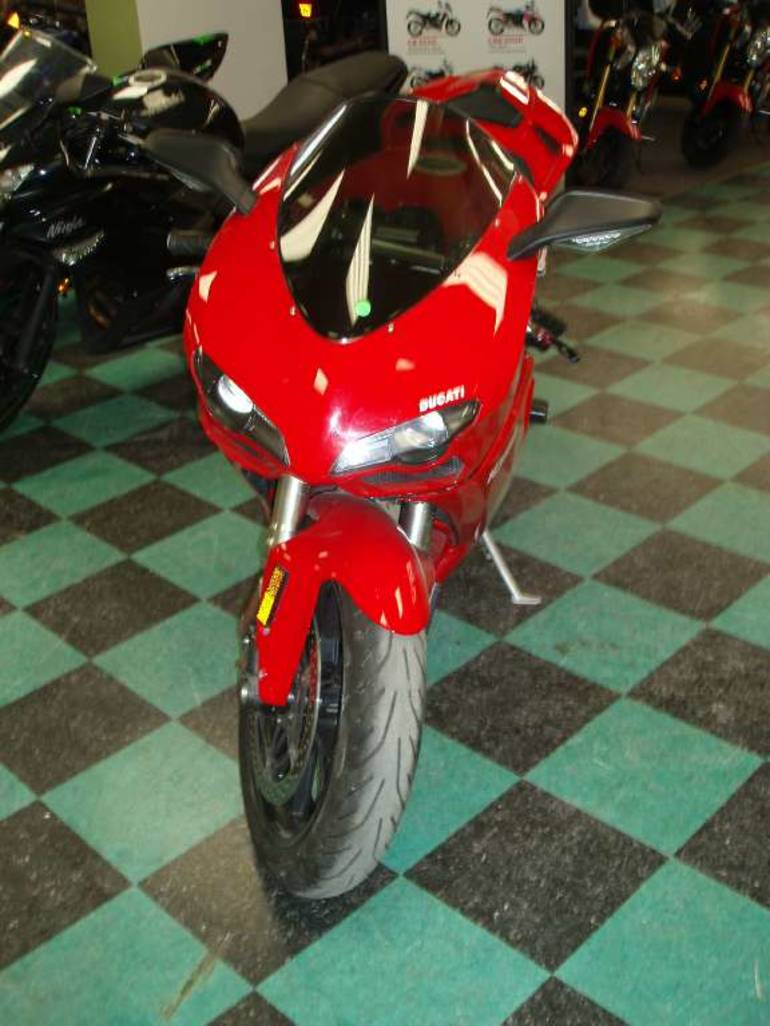 See more photos for this Ducati Superbike 1098 S, 2008 motorcycle listing