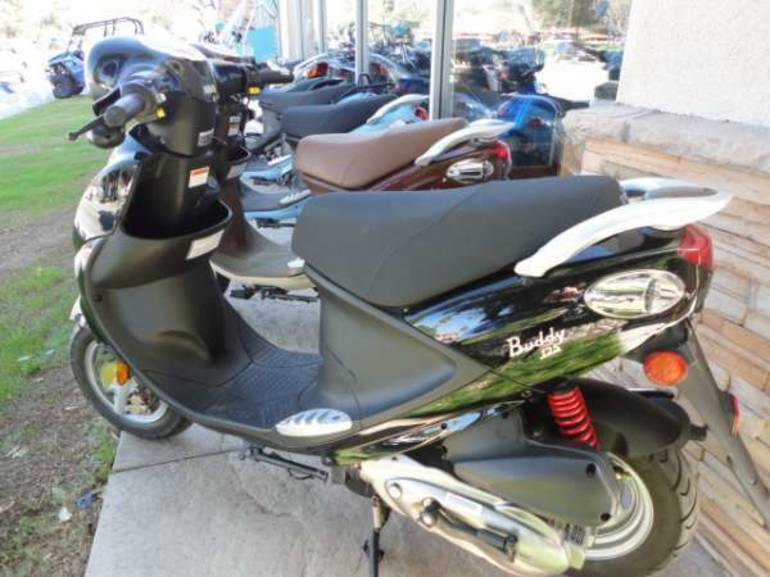 See more photos for this Genuine Scooter Company Buddy (125 cc), 2009 motorcycle listing