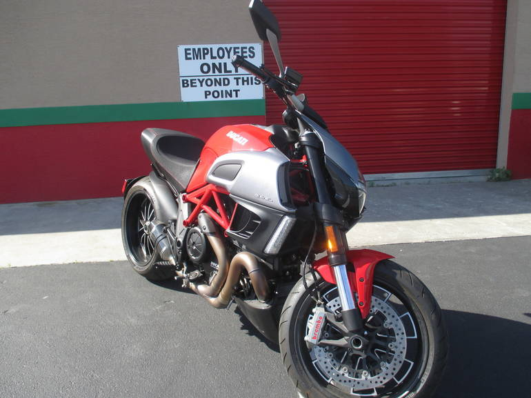 See more photos for this Ducati DIAVEL, 2012 motorcycle listing