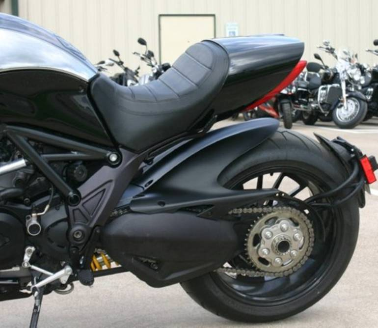 See more photos for this Ducati Diavel Cromo, 2013 motorcycle listing