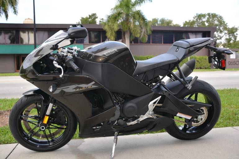 See more photos for this ERIK BUELL RACING 1190 RX, 2014 motorcycle listing
