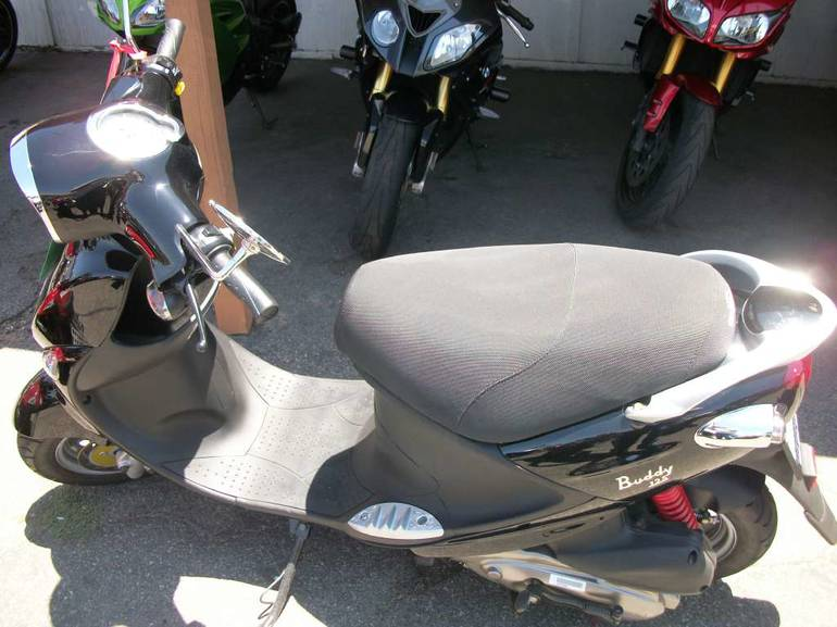 See more photos for this Genuine Scooter Company Buddy 125, 2014 motorcycle listing