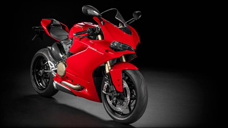 See more photos for this Ducati 1299 Panigale S, 2015 motorcycle listing