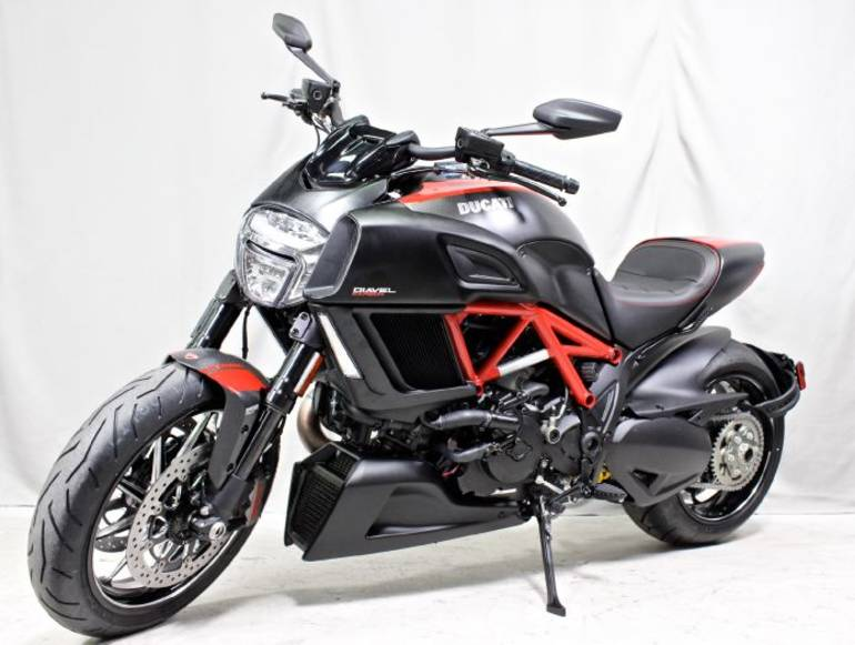 2015 Ducati Diavel Carbon Red Motorcycle From Portland Or Today