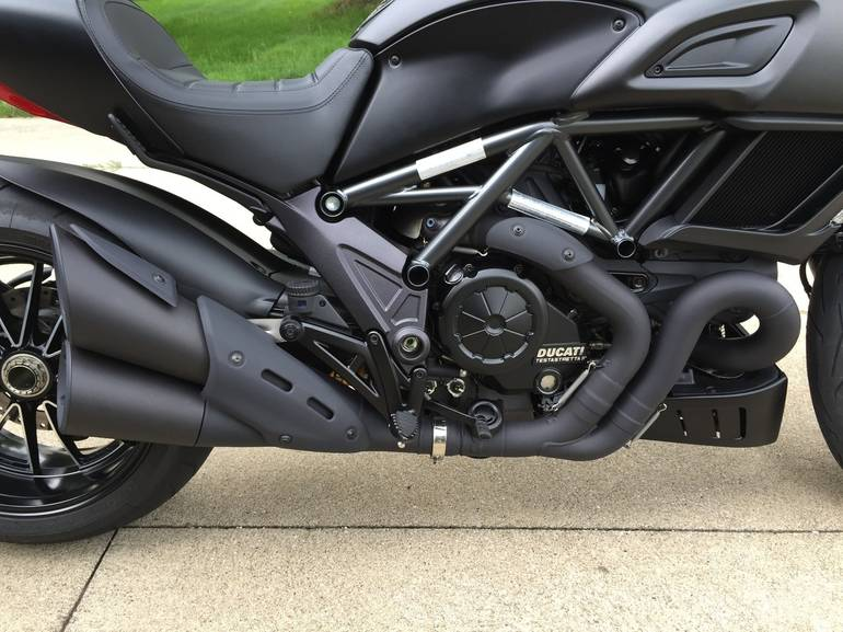 See more photos for this Ducati Diavel DARK, 2015 motorcycle listing