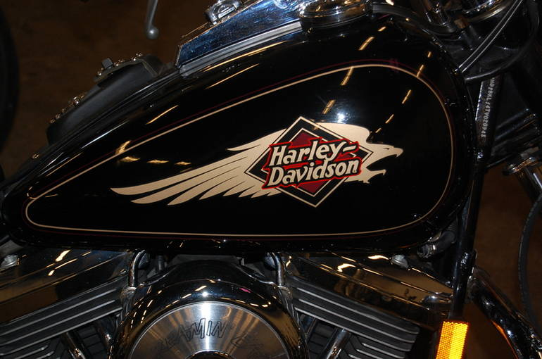 See more photos for this Harley-Davidson FXSTC Softail Custom, 1995 motorcycle listing