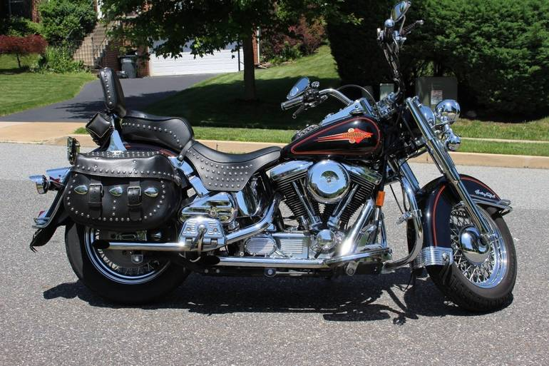 See more photos for this Harley-Davidson Heritage Softail CLASSIC, 1995 motorcycle listing
