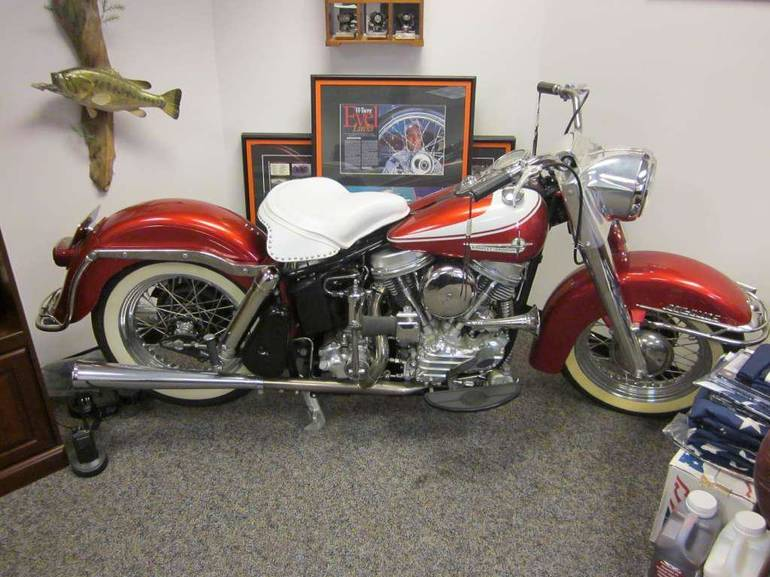 See more photos for this Harley-Davidson FLH, 1962 motorcycle listing